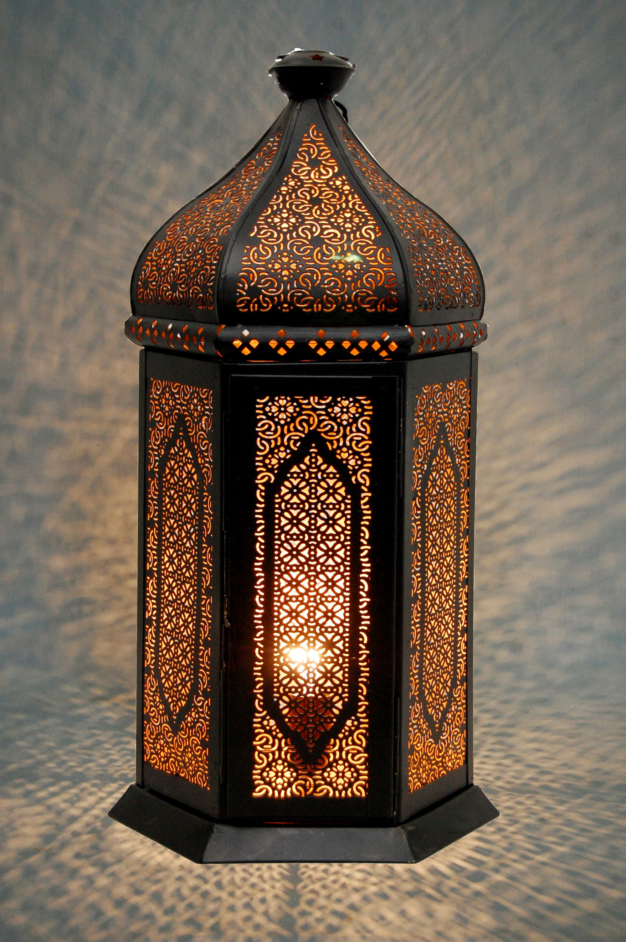pagoda gmbh detailansicht orient tischlampe kasbah schwarz gold. Black Bedroom Furniture Sets. Home Design Ideas